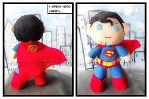 Superman plushie by prismtwine