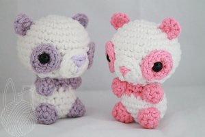 Mini Pandas by theyarnbunny