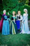 Double Anna and Elsa - Frozen by Achico-Xion
