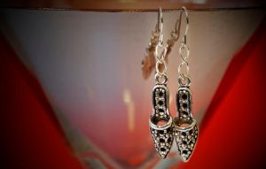 earrings - shoes by Sizhiven