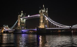 Tower Bridge by au-bout-de-mes-reves