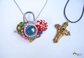Padlock heart and cross key pendants by Dinuguan
