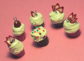 Cuppie cake charms by Gimmeswords