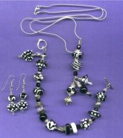 Black and White Lampwork by tiannei