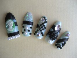 cameo nails by trich