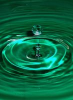 Green Droplet_3 by DaFotoGuy