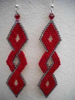 Crossover earrings by Autumn-beads