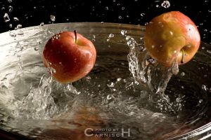 Jumping Apples by Carnisch