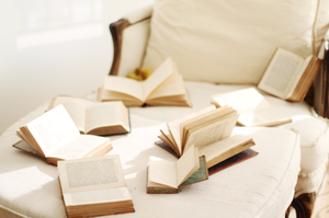 In love with books by standbyme21