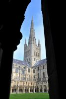 Norwich Cathedral by xcustomz