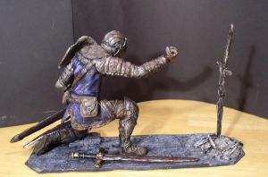 Elite Knight with bonfire 1/6 scale statue view 2 by futantshadow