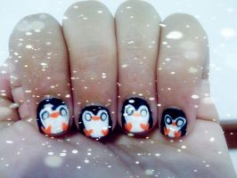 Penguin nails by NadaDeww