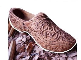 wooden shoe by woodcarve