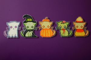 Cross Stitch Spooky Kitties by PkmnMasterTash