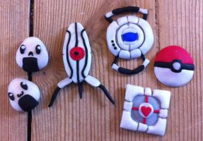 Random video game objects (fimo clay) by McFlynder