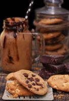 Dark and White Chocolate Cookies + Chocolate Shake by theresahelmer