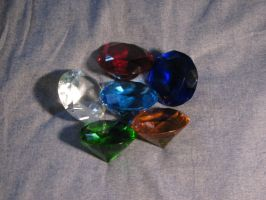 6 of the 7 Chaos Emeralds by SonicFanGuy