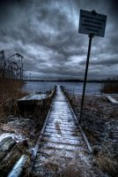 Still cold by Peterspics