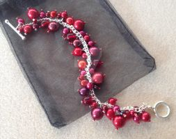Cluster Bracelet - Red by WhiteMagicPriestess