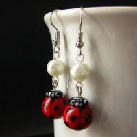 Lampwork Ladybug Earrings by Gilliauna
