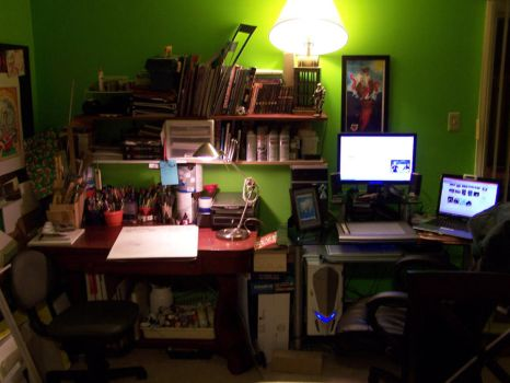 Art Desk by Ghouley