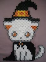 Spooky Witch Kitty by PerlerHime