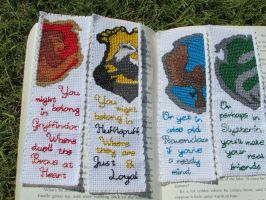 Harry Potter House Crest Cross-Stitch bookmark set by DaydreamQueenMisha