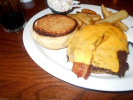 Bacon Cheeseburger by D0wnTh3R4bb17H0l3