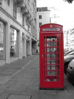 London telephone box by Alphee