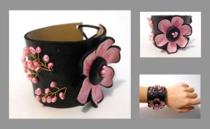 Leather floral bracelet. by julishland