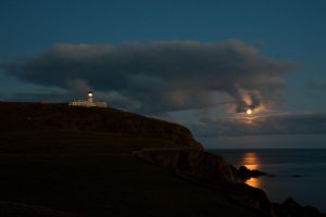 Sumburgh Moon by Sagereid