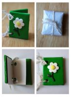 Mini Daisy Polymer Clay Card by claremanson