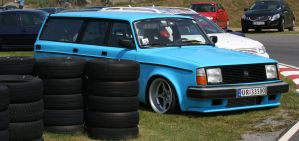 Volvo 240 by Heavymedicated