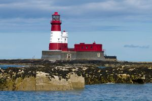 Farne Lighthouse by parallel-pam