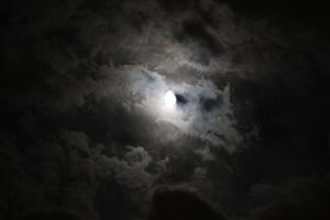 Cloudy Moon3 by Lynxwing