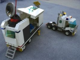 Lego Mobile Command Centre by MrElusive777