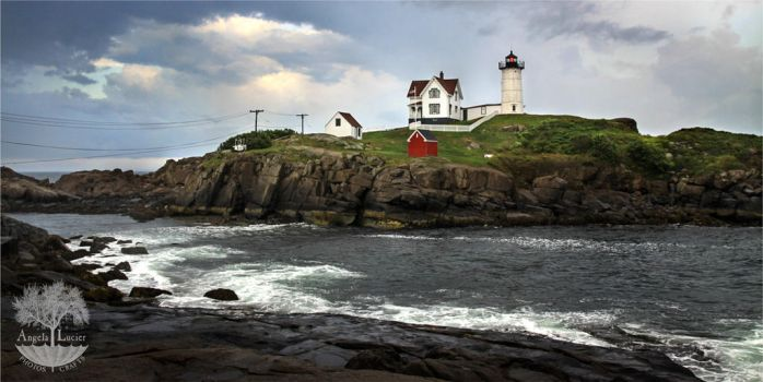Nubble Light by alucier