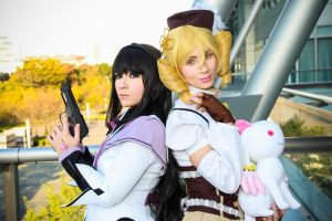 Homura and Mami by mila-tiemy