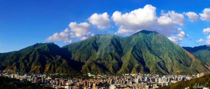 Caracas city and Avila Mountain by aleascanio