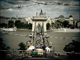 Chain bridge kitsch by stefanye
