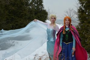 Anna and Elsa of Arendelle by RougeLeaderRed