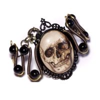Steampunk Goth  - Bracelet - Antique Skull Cameo by CatherinetteRings