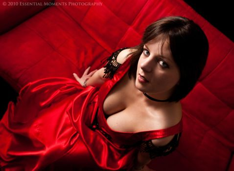Lady in Red by inessentialstuff
