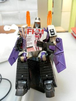 Blitzwing on a break by Autocons