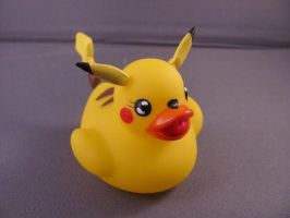 Pikachu Duck by spongekitty