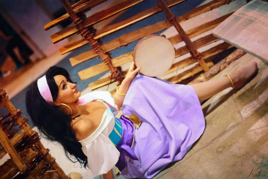 Esmeralda - The Huchback of Notre Dame by Mirakan