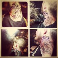 Me working on a neck tattoo by jerrrroen