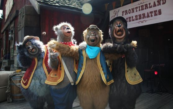 Silly old country bears by Mlle-Dreamer