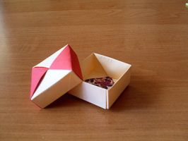 Square Box Origami by happy96