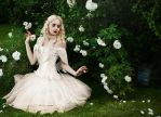 White Queen by roxaralu